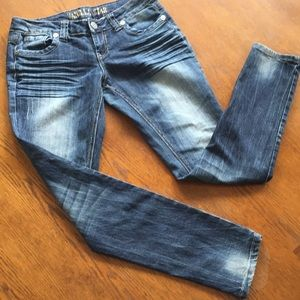 Vanilla Star Distressed Jeans  SIZE 9